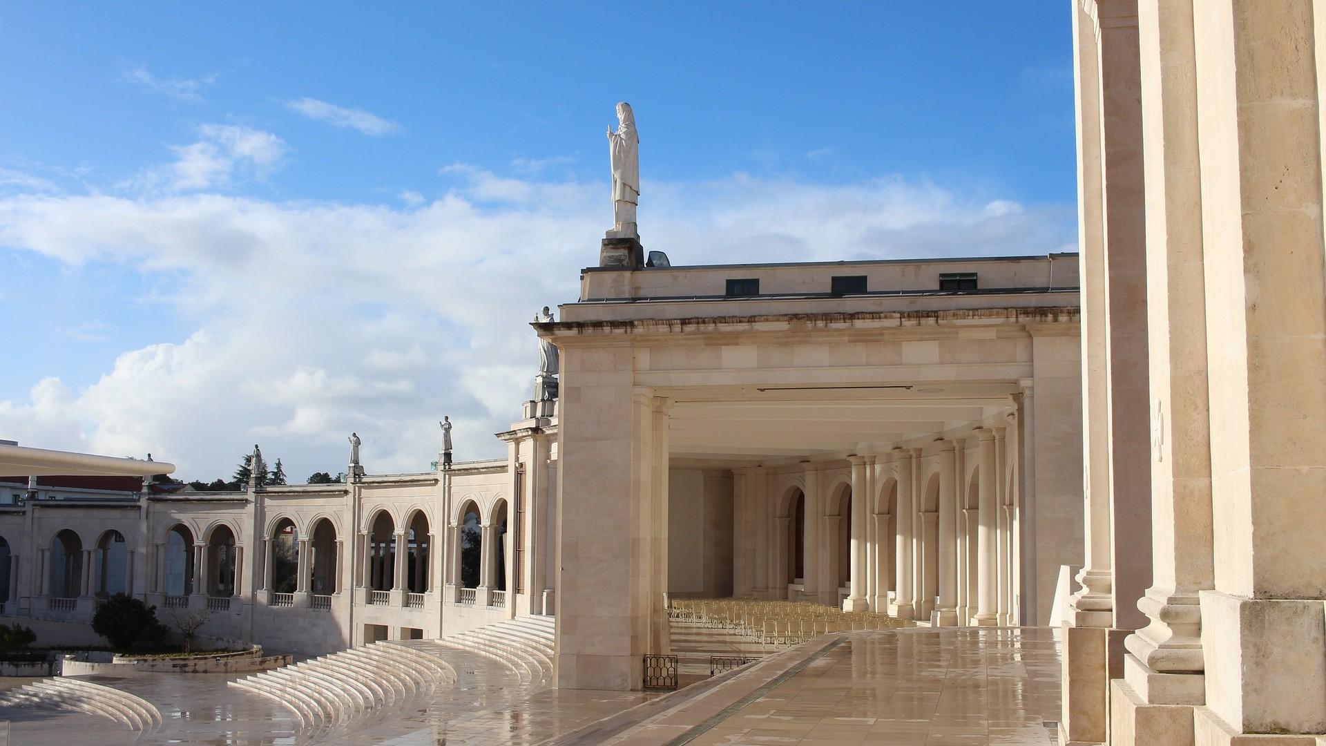 Sanctuarul de la Fatima va celebra la 13 de mai aniversarea apariţiei Fecioarei fără pelerini