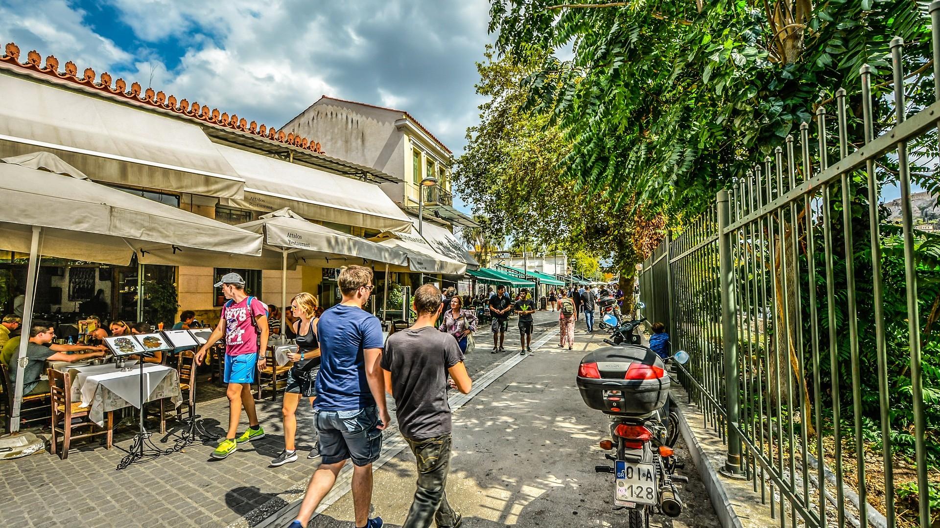 Grecia a redeschis cafenelele şi restaurantele, pregătindu-se pentru sezonul de vară